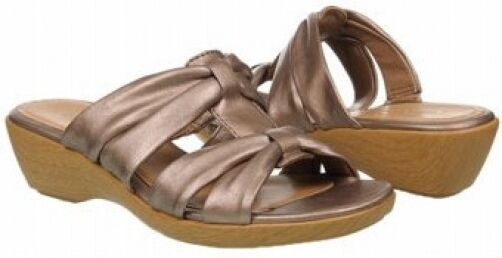 Eurostep Sheridan sandals leather champagne 10 Med  NEW