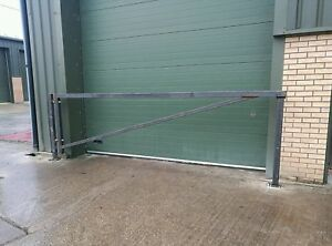 car-park-swing-barrier-4-meter-13-ft-Stop-access-security-gate-yard-vehicle