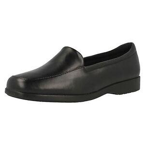 pour Femmes Clarks Noir Mocassins à enfiler style chaussures E Fitting Georgia 5DKGD9T