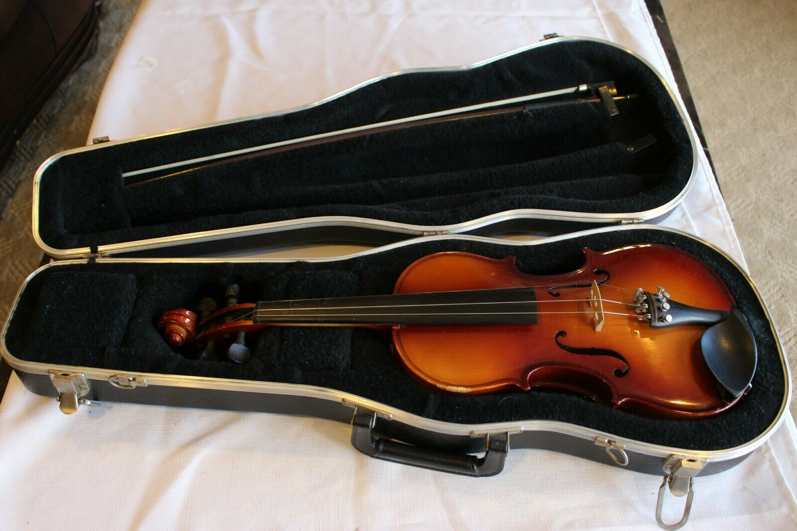 case Glasser Bow /& Prelude Strings Scherl /& Roth SR51 1//4 Size Violin Outfit
