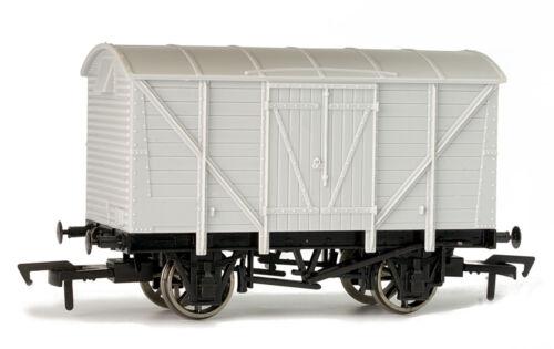 Dapol A004 Güterwagen ventilated van unbemalt Spur 00