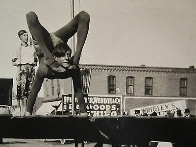 ANTIQUE CIRCUS CARNIVAL PERFORM WRIGLEY GUM FERRIS WHEEL CONTORTIONIST IL PHOTO