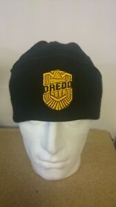 2000AD-JUDGE-DREDD-KNITTED-HAT