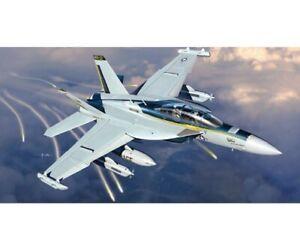 Italeri-1-48-EA-18-G-Growler