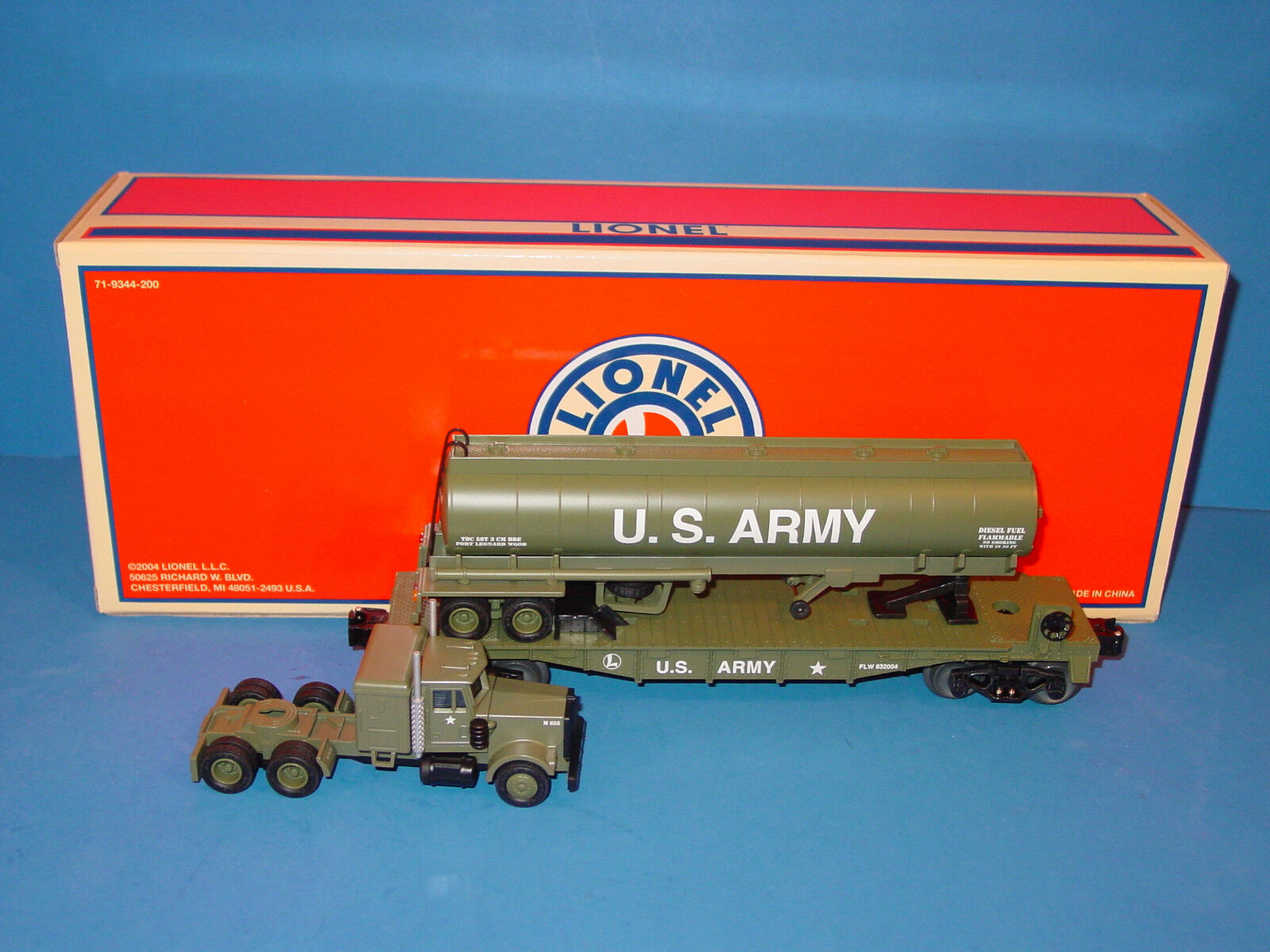 LIONEL     6  52336     U S ARMY  THREE  PIECE  TOFC  SET   Uncataloged