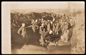 AMERICAN-ARMY-OPENING-A-TRENCH-WW1-ANTIQUE-RPPC-PHOTO-POSTCARD