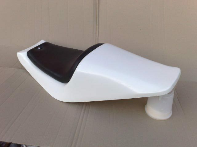 UNIVERSAL ZEDBUT 6 'ZB6' SEAT UNIT UPHOLSTERED SEAT STREETFIGHTER CAFE RACER