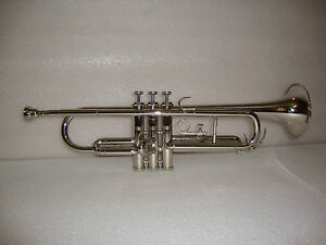 BRAND-NEW-SILVER-CHROME-Bb-TRUMPET-WITH-FREE-HARD-CASE-MOUTHPIECE