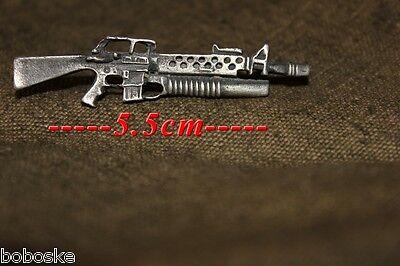 Volhardend Insigne En Métal Représentant Un M-16 Lance Grenade Redelijke Prijs