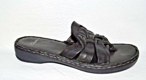 CLARKS SZ 8 B BLACK LEATHER LOW HEEL PLATFORM THON