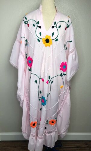 Mexican Embroidered Poncho Vintage Boho Caftan Dre