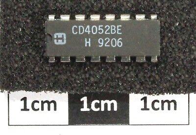 2 Mux // Demux analogiques 4 voies = CD4052 2 x HEF4052BP CM4052