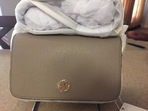 48d4fc81ad7d Image is loading NWT-IN-PLASTIC-RARE-TORY-BURCH-Robinson-CROSSBODY-