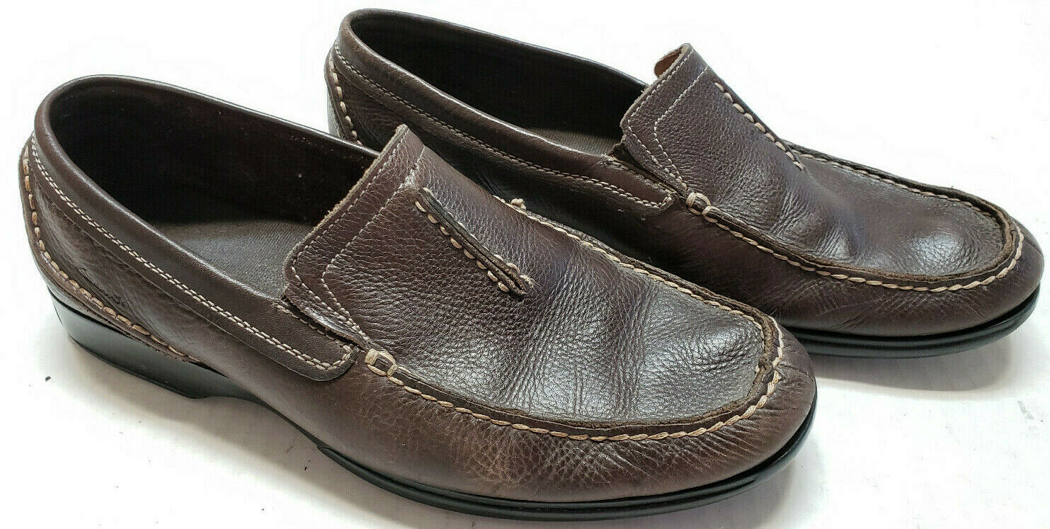 Clarks Loafers Mens 9.5 Brown Leather Split Tongue Moc Round Toe Driving Shoes