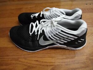 separation shoes 1cc9d f889c Image is loading NIKE-METCON-DSX-FLYKNIT-BLACK-WHITE-METALLIC-SILVER-