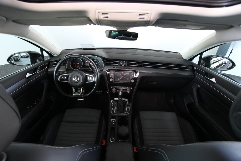 VW Passat 2,0 TDi 240 R-line Variant DSG 4M Diesel 4x4 4x4