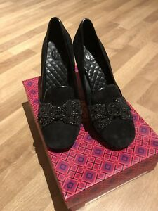 0ac068fe237 Tory Burch Carissa Embellish Suede Pumps Black Bow Heels Size 7.5M ...