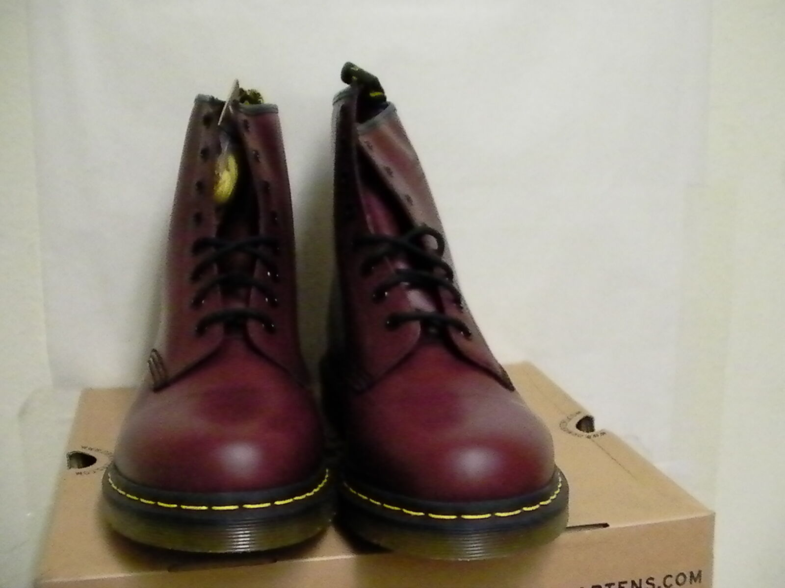 Dr marten's boots cherry red red smooth size 8 men us