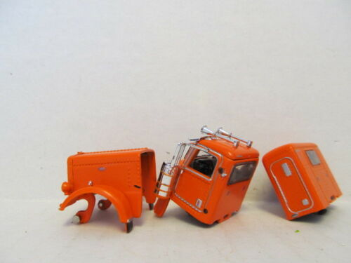 GRILL PARTS ONLY DCP 1//64 SCALE 389  PETERBILT HOOD CAB /&  SLEEPER