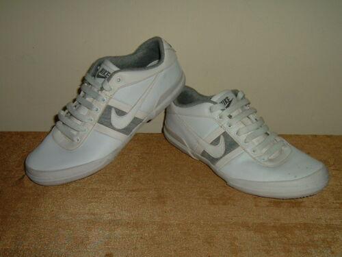 Plus âgés Garçons Baskets Taille 4 Cuir Chaussures Partie Filles Femmes Nike xw45t5