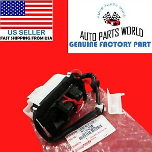 Genuine Oem Toyota 08 20 Sequoia Rear Back Door Lock W O Power Lock 69110 0c031 Ebay