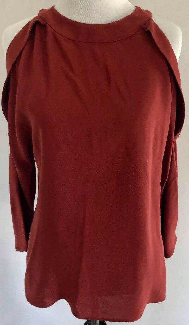 Ramy Brook 'Vivica' Silk Crepe Cold Shoulder Top in Burgundy Größe XS