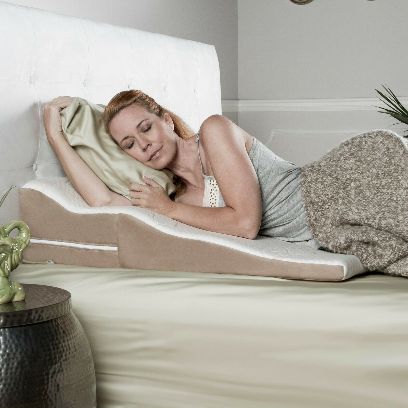 Avana Contourot Bed Wedge Pillow with Gel-Infused Cooling Memory Foam and Bamboo