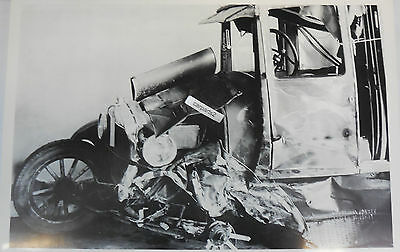 "1926 1927 Ford Model T Fordor Sedan Wreck 12 By 18"" Black & White Picture"