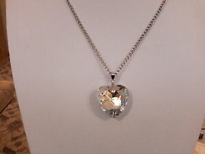 Brand new  silver necklace with a large heart shaped clear crystal and gift box - Leicester, United Kingdom - Brand new  silver necklace with a large heart shaped clear crystal and gift box - Leicester, United Kingdom