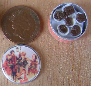 1:12 Scale Full Round Biscuit Tin Tumdee Dolls House Christmas Accessory Bt29b