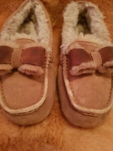 UGG-MOCCASINS-BOW-SLIPPERS