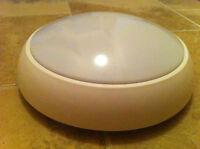 28w 2d Decorative Bulkhead Light Fitting White Round HF IP65 Opal New Quality