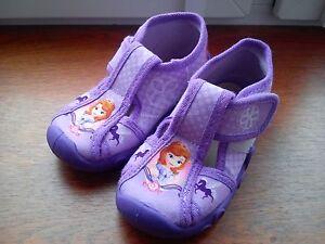 Filles Chaussures De Deux Paires Et Chaussons Bébé Taille 6-afficher Le Titre D'origine