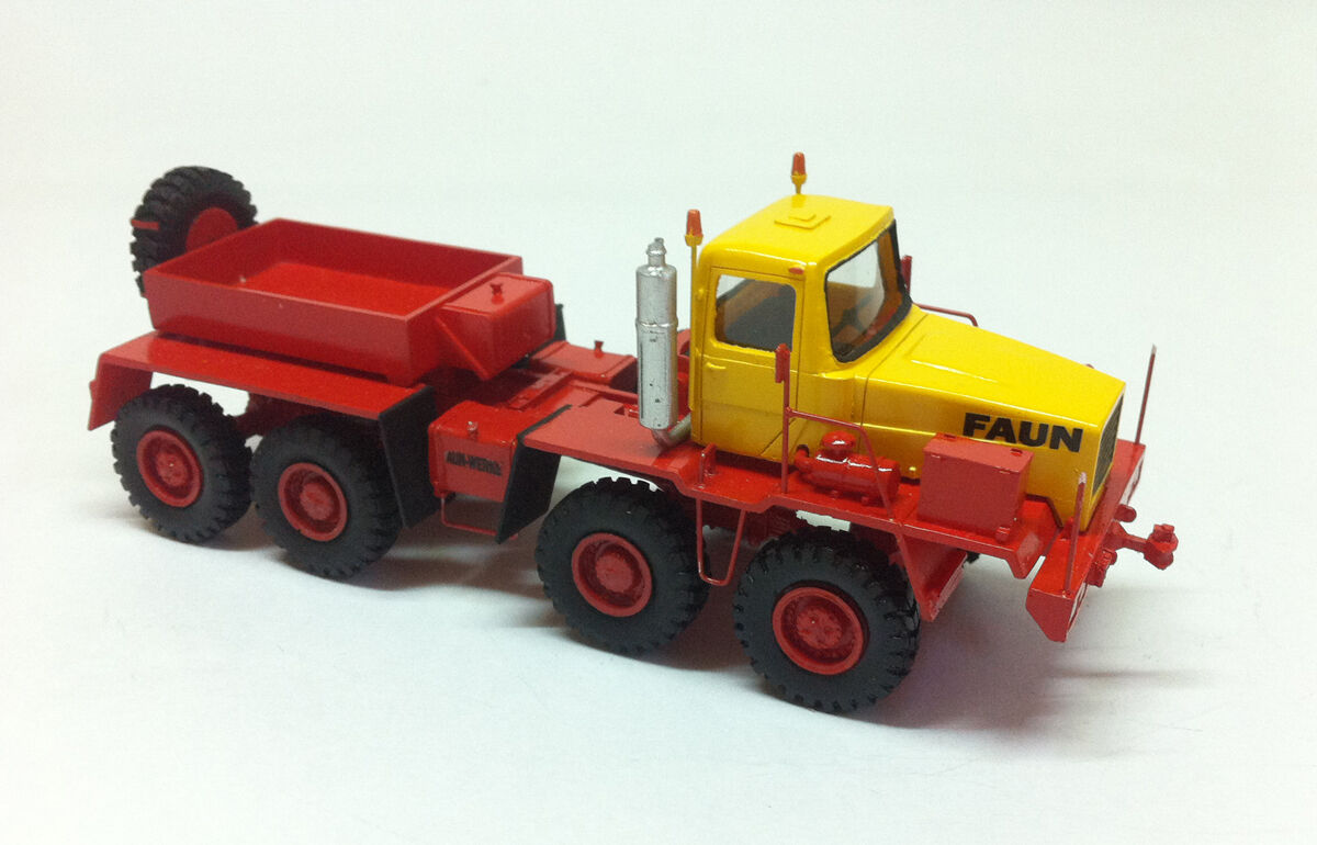 1 87 FAUN HZ 46.40 49 8X8 Transport – DDR 1975 - Handbuilt resin model