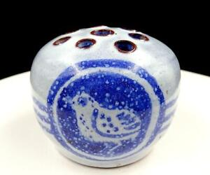 ORCAS-ISLAND-POTTERY-BIRD-DESIGN-13-HOLE-3-1-4-034-FLOWER-FROG