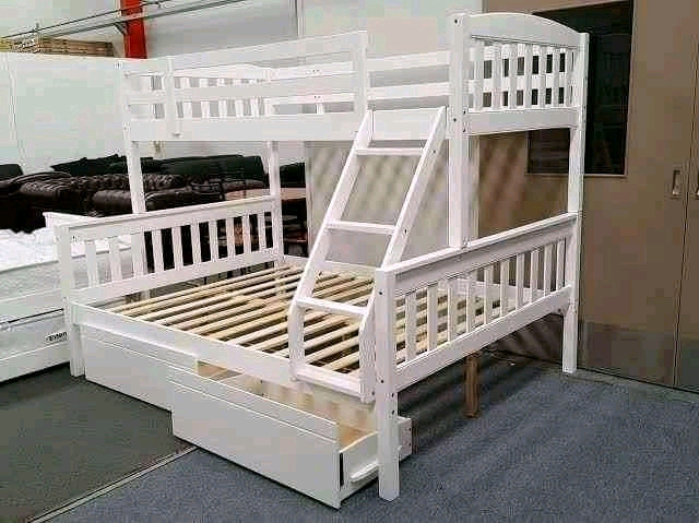 Tri bunks with space savers