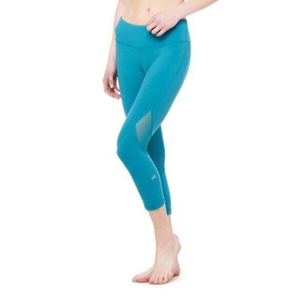 New  Alo Yoga Go Capri Leggings Capri Running Workout Sz M Deep Teal NWT