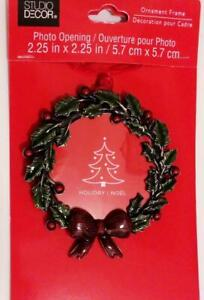 Christmas Tree Ornament Wreath with Bow Photo Picture Frame Green Red NEW