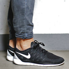 NIKE FREE 5.0 Running Trainers Shoes Gym Casual - UK 8 (EUR 42.5) Black / White