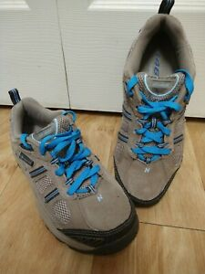New Balance 646 Women's Size 7 Hiking Shoes Water Resistant - Tan / Brown