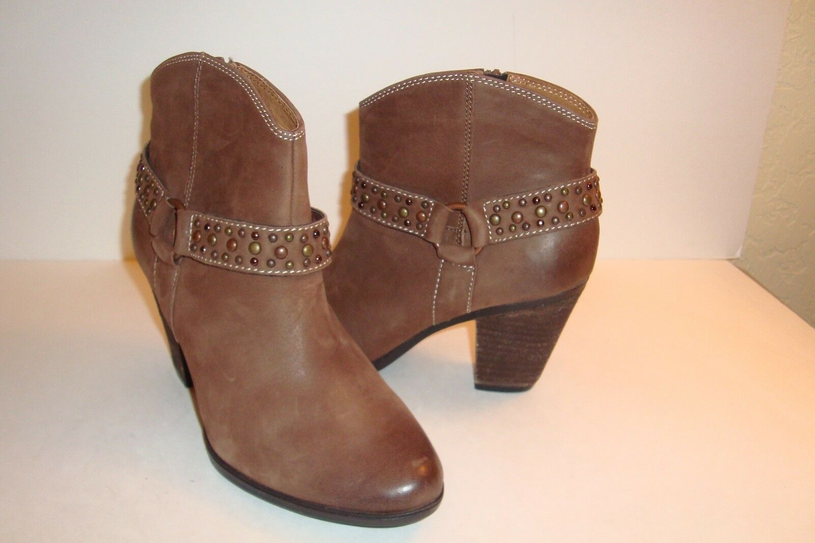 Sofft Womens NWOB Brown Ankle Boots Boots Boots shoes 7 MED NEW 8137e4