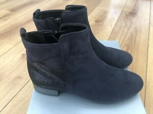 5ba2e3cad7a2d BRAND NEW GABOR ladies low heel ankle boots-navy/metallic suede ...