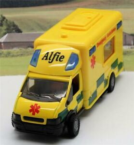 PERSONALISED-NAME-GIFT-Boys-Toy-18cm-Yellow-Ambulance-Lights-Siren-Box-Present