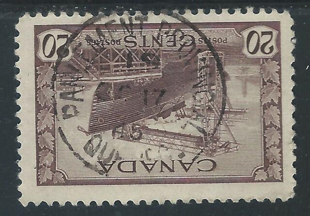 Canada #260(4) 1942 20 cent Canadian War Ships - CORVETTE PARLIAMENT PROVINCIAL