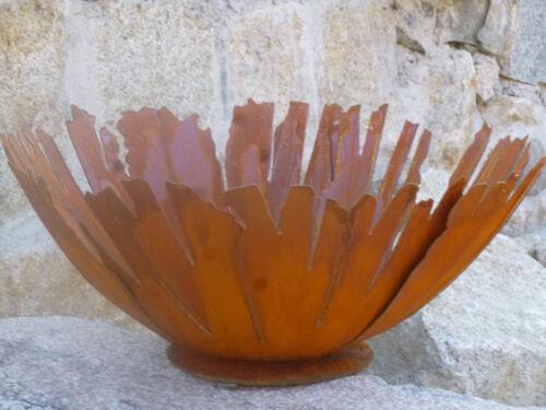Edelrost Schale fransig auf Platte Terrasse Garten Dekoration Rund Tischdeko