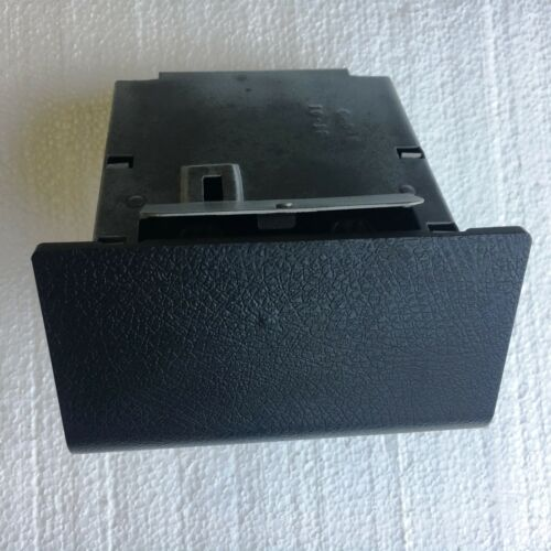 RECONDITIONED 70-81 Camaro Z28 LATE STYLE ASH TRAY /& HOUSING BLACK SS RS Chevy