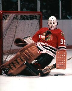 286c1262a46 Image is loading Tony-ESPOSITO-Chicago-BLACKHAWKS-HOFer-STACKING-His-PADS-