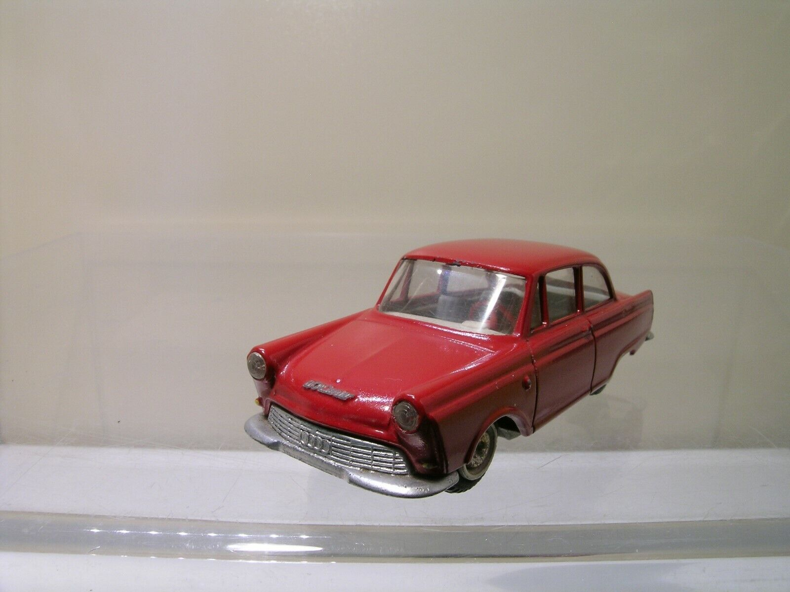 TEKNO DENMARK Nr.724 121 DKW D.K.W. JUNIOR SEDAN 1961 rosso SCALE 1 43