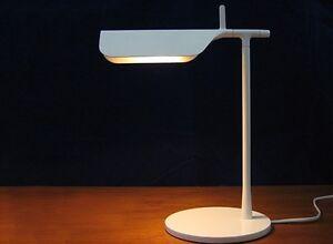 Lampade Da Tavolo Flos : Flos tab t lampada da tavolo comodino bianca art f ebay