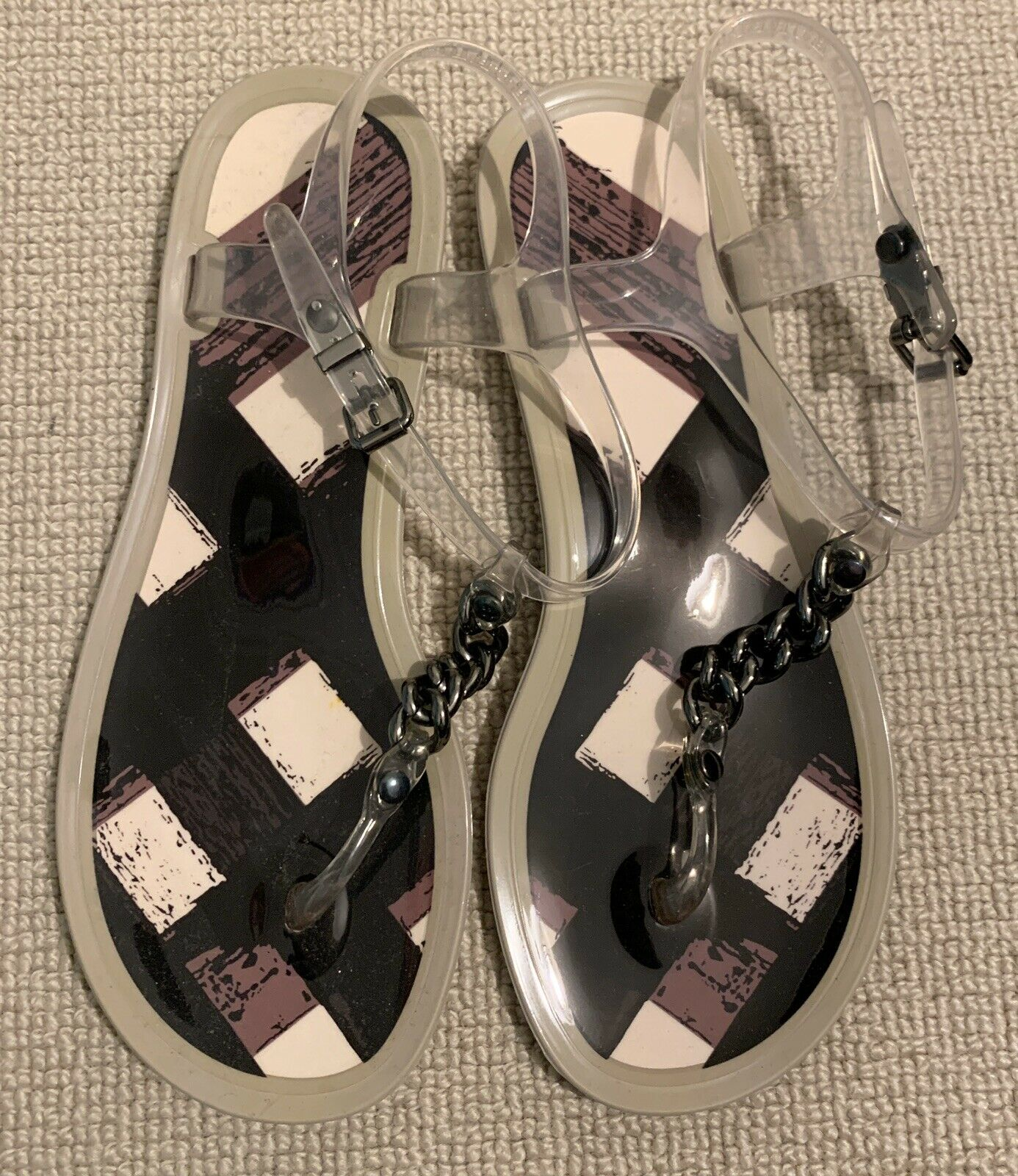 BURBERRY Jelly sandales